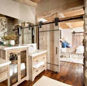 Спальня с ванной в современном деревенском исполнении
