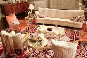 Роскошная гостиная в стиле декаданс