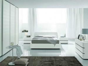 Хай-тек в спальне в светлых тонах