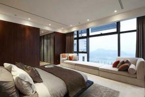 Спальня в стиле хай-тек с красивым видом