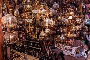 Лавка торговца марокканскими лампами