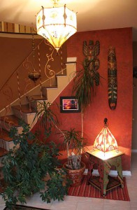 Пример марокканских светильников в интерьере