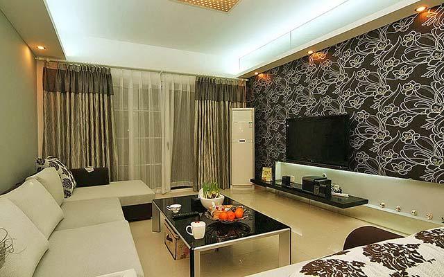 Интерьер комнаты с комбинированными обоями фото