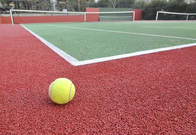 Размер теннисного корта.