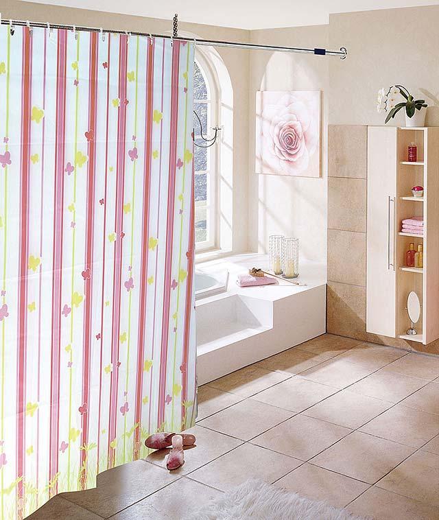 Пластиковая шторка для ванной.Пластиковая шторка для ванной.
